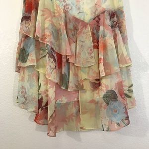 Vince Camuto Skirts - Vince Camuto Floral Flutter Layered Skirt Size 2